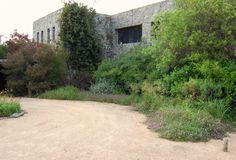 The garden reviews in the intoGardens Winter 2013 Episode includes Amalia Robredo's Meadow in Uruguay http://into-gardens.com/feature/amalia-robredos-meadow-maldonado-uruguary/