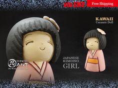 "Etsy のKawaii Ceramic Doll, Ceramic Japanese Kimono Girl ""UME"", Japanese Folk Dolls, Hand-built Ceramic Art, Free Shipping(ショップ名:ShinobuArakiArt)"
