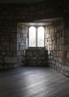 skipton castle upper interior window from : http://www.flickr.com/photos/corsetkitten/6685499797/in/set-72157628840464489