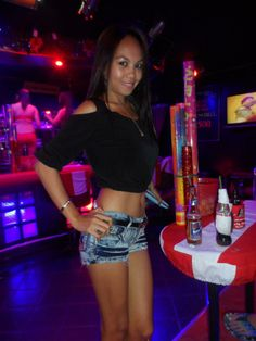 Filipino bar girl topless, american fuking girls
