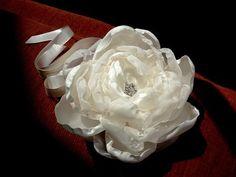 Corsage FLOWER 10cm                                                                                                                                                      Mais