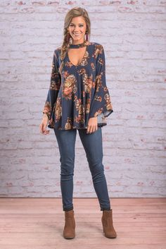 """""""Looking Fresh Top, Navy"""" You are guaranteed to look fresh and fabulous in this floral top! It not only feature the afore mentioned floral print but also a large keyhole in the front and back! #newarrivals #shopthemint"""