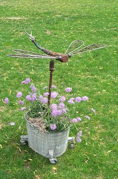 recycle, upcycle, reuse in the garden! ✿✿✿