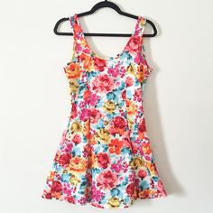 ⭐️SALE FINAL PRICE ⭐️!! Floral Sun Dress !! !! NWOT, never worn, great for the fall or summer, would be styled up or down!! Dresses Mini