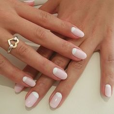 Half moon nail is a kind of nail art design. This kind of nail design is much easier than it looks and can be completed very easily. They have existed since the early and are still one of the most popular nail designs in nail fashion today. Diy Nails, Cute Nails, Pretty Nails, Popular Nail Designs, Diy Nail Designs, Minimalist Nails, Wedding Nail Polish, Wedding Nails, Moon Nails