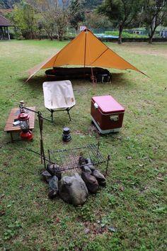 道志村 川端キャンプ場ソロ | ファミリーキャンプのちソロキャンプ Lightweight Tarp, Nomadic Furniture, Camper, Trailer, Wheelbarrow, Go Camping, Outdoor Power Equipment, Garden Tools, Tent