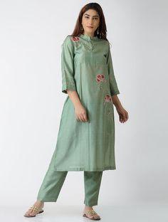 Green Embroidered Chanderi Kurta with Pants (Set of Indian Formal Wear, Indian Wear, Indian Suits, Punjabi Suits, Salwar Suits, Kurta Designs Women, Blouse Designs, Kurtis With Pants, Suits For Women