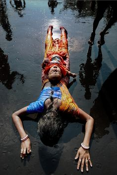 'DONDI' - An age-old ritual of Bengal - Asis Kumar Sanyal Photography A State Of Trance, Asia, Indian Colours, Largest Countries, Mother And Child, India Travel, Incredible India, People Around The World, Bengal