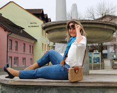 Der Trend im Frühjahr... Auffällige Ziernähte, extravagante Waschungen... Unsere Jean's Lieblinge blühen im Frühjahr 2020 wieder NEU auf! 👌💪 Outfits Tipps, Trends, Vintage Denim, Must Haves, Tops, Scale Model, Beauty Trends