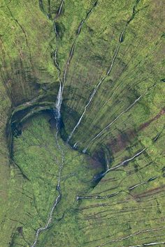 Kauai waterfalls This is what a helicopter tour into a dormant Kauai volcano looks like. Surrounded by waterfalls. This is the wettest spot on Earth. The waterfall occur from rainfall. Oh The Places You'll Go, Places To Travel, Places To Visit, Kauai Hawaii, Hawaii Travel, Hawaii Usa, Maui, Hawaii Life, Kauai Vacation
