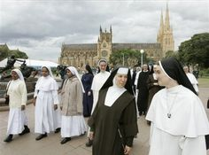 Nuns from different orders