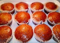 Perníkové muffiny s kandovaným ovocem a citronovou polevou