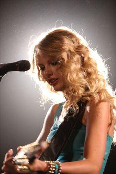Taylor Swift Fearless, Fearless Album, Taylor Swift Fan, Taylor Swift Pictures, Taylor Alison Swift, Taylor Lautner, Taylor Hill, Taylor Swift Wallpaper, Justin Bieber