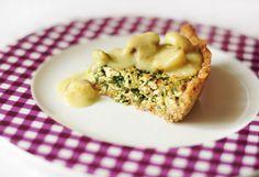 Weganie: Tarta szpinakowa z sosem pieczarkowym