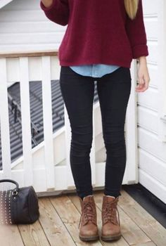 Burgundy blouse + black skinny jeans and light blue shirt #casualoutfit