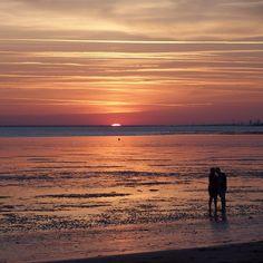 Un soirée romantique face à la mer #chatelaillon #sunset #charentemaritime