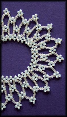 Kronleuchterjuwelen Glasperlenschmuck - Kleeblatt-Collier