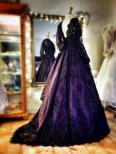 Joanne Fleming Design: 'The Grand Sophy'.full length embellished black lace and silk taffeta ballgown Lace Evening Gowns, Winter Bride, Silk Taffeta, Dream Wedding Dresses, Beautiful Gowns, Purple Dress, Vintage Dresses, Formal Dresses, Red Carpet