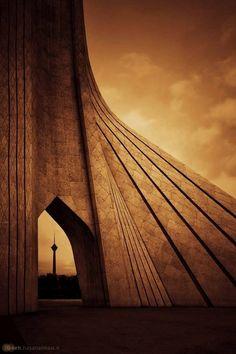 Tehran, Iran  Iran Traveling Center http://irantravelingcenter.com/tehran_iran #iran #tehran #travel  Iran Få mere information på vores websted   https://storelatina.com/iran/travelling #ირანი
