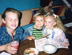 Photos of young celebrities that you wouldn't recognize – What's trending today Britney Spears, Sean Penn, Eva Mendes Husband, Alyssa Milano, Tom Cruise, Parenthood Tv Show, Leonardo Dicapro, Leo And Kate, Young Leonardo Dicaprio