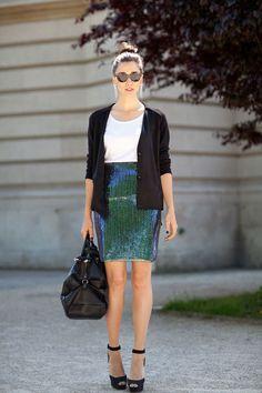 #Harper'sBAZAAR #dianaenciu #alinatanasa #streetstyle #fashion #outfit #style #fabulous #girls #fun #summer #paris #fashionweek #hautecouture #skirt #sunglasses #bag #versace #sandals #earrings