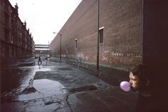 Raymond Depardon.  Glasgow, Scotland.  1980.  Magnum Photos.