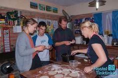 Anoche hicimos empanadas con nuestros visitantes . Pasamos re lindo! Gracias Nicolas por ayudarnos!   Last night we made empanadas with our guests. What fun we had! Thank you Nicolas for helping us!