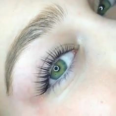 Lash Lift Kit Cr: please Contact us Sure, the bushy perms of the might be out of vogue, but ther Beautiful Eyes Color, Pretty Eyes, Gorgeous Makeup, Beautiful Places, Eyebrow Makeup, Eyeliner, Eyeshadow, Makeup Eyebrows, Eyelash Lift