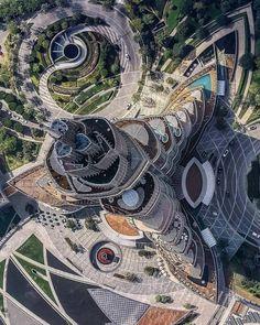 Top View of Burj Khalifa 😍😍 Via @civilengineeringdiscoveries Vs @rebazhussein