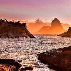 """""""Da natureza nada se tira além de fotos, nada se deixa além de pegadas e nada se leva além de lembranças"""" #boanoite com esse belíssimo click do @rcampanario"""