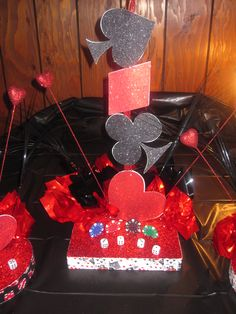 Las Vegas Themed Centerpieces/variation use blk wht red patent leather-shiny vinyl shapes and fabric