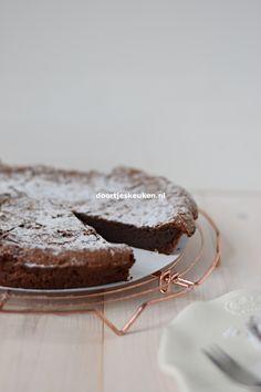 Chocolate Cake, Om, Cookies, My Favorite Things, Winter, Desserts, Mocha, Chicolate Cake, Crack Crackers