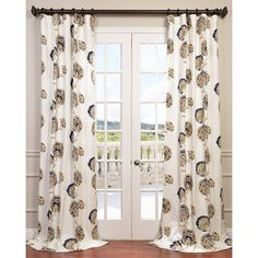 The beautiful Zinnia curtain panel is crafted from 100-percent cotton twill and features a stylish pattern that's sure to add charm and elegance to your home decor.