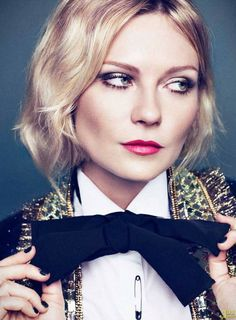 This is a beautiful look for fall..amped up date night or Christmas party make-up! Love!