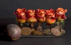 """Small details count too. Create an atmosphere with simple , yet beautiful details in your home. Colombian """"coffee break"""" roses are perfect this autumn"""