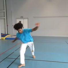 Martial Arts Books, Martial Arts Styles, Martial Arts Techniques, Self Defense Techniques, Mixed Martial Arts, Capoeira Martial Arts, Martial Arts Workout, Martial Arts Training, Boxing Training
