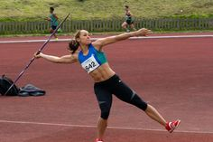 athletism - javelin - Jessica Ennis au lancer du javelot, championnat du Yorkshire Track and Field 2012 au centre sportif de Dorothy Hyman, Cudworth, South Yorkshire. (3472×2310)