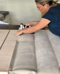 This channel tufted upholstered headboard is totally do-able with a pneumatic staple gun, a lot of staples and a lot of cardboard tack strip. Diy Tufted Headboard, Bed Headboard Design, Headboards For Beds, Bed Design, Woodworking Furniture Plans, Diy Furniture, Furniture Design, Diy Bed, Bedroom Decor