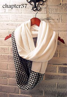 More than 25 free scarf sewing tutorials and sewing patterns. Learn how to make an infinity scarf, patchwork scarf or a blanket scarf. Sewing Patterns Free, Free Sewing, Sewing Tutorials, Sewing Projects, Sewing Tips, Sewing Ideas, Bag Tutorials, Purse Patterns, Sewing Hacks