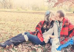 Cute and Cuddly Fall Engagement Session <3