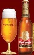 Cerveja Club Colombia, estilo Premium American Lager, produzida por Cervecería de Barranquilla, Colômbia. 4.7% ABV de álcool.