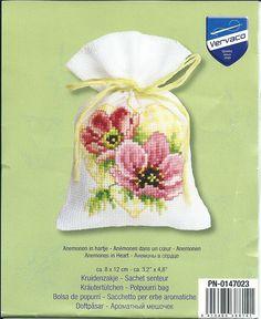 lavanta kese Cross Stitch Heart, Cross Stitch Cards, Cross Stitch Flowers, Cross Stitching, Cross Stitch Embroidery, Hand Embroidery, Cross Stitch Patterns, Pot Pourri, Sachet Bags