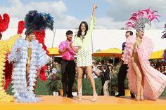 """Hypada! A 3ª edição do Carnaval Clicquot, charmoso """"champagne brunch"""" da Veuve Clicquot, reuniu cerca de 3 mil pessoas no Pérez Art Museum, em Miami. Confira a galeria de fotos na www.flashesefatos.com.br"""