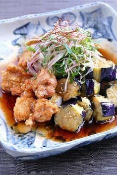 鶏の唐揚げと揚げ茄子を中華南蛮ダレに合わせたボリュームたっぷりの一品です。 千切りの薬味をふんわり天盛りにして風味良く頂きましょう。 Eggplant Recipes, Food Goals, Cafe Food, Healthy Salad Recipes, Snacks, International Recipes, Asian Recipes, Japanese Recipes, Healthy Recipes