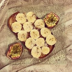 Tartine gourmande ce matin !!! 😋 #goodmorning #hello #bonjour #morning #breakfast #petitdejeuner #tartine #healthyfood #healthybreakfast #homemade #onmangepropreonsentrainesale #reequilibragealimentaire #vegan #veganfood #vegansofig #veggie #glutenfree #glutenfreevegan #glutenfreefood #eatclean #eathealthy #healthy #mangermieux #mangersain #yummy #yum #foodporn #lactosefree #delicious  Yummery - best recipes. Follow Us! #foodporn