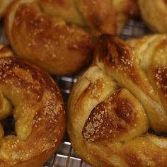 Auntie Anne's Soft Pretzels Recipe     1 1/2 cup warm Water     1 1/8 teaspoon active Dry Yeast     2 tablespoons Brown Sugar     1 1/8 teaspoon Salt     1 cup Bread Flour     3 cups regular Flour     2 cups warm Water     2 tablespoons Baking Soda
