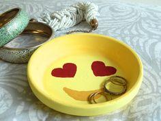 DIY: Emoji Ring Dishes