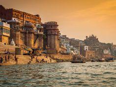 Varaanasi Ganga Ghat http://www.travelsiteindia.com/blog/top-10-pilgrimage-places-of-india/