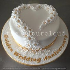 Delicate daisies for a Golden wedding anniversary. Delicate daisies for a Golden wedding anniversary. Golden Anniversary Cake, Anniversary Cake Designs, 50th Wedding Anniversary Cakes, Anniversary Surprise, Marriage Anniversary, Anniversary Gifts, Hazelnut Cake, Chocolate Hazelnut, Lemon And Coconut Cake