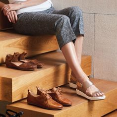 Pikolinos uses exquisite natural leathers and specialised craftsmanship making them a staple item for every wardrobe. Made in Spain.